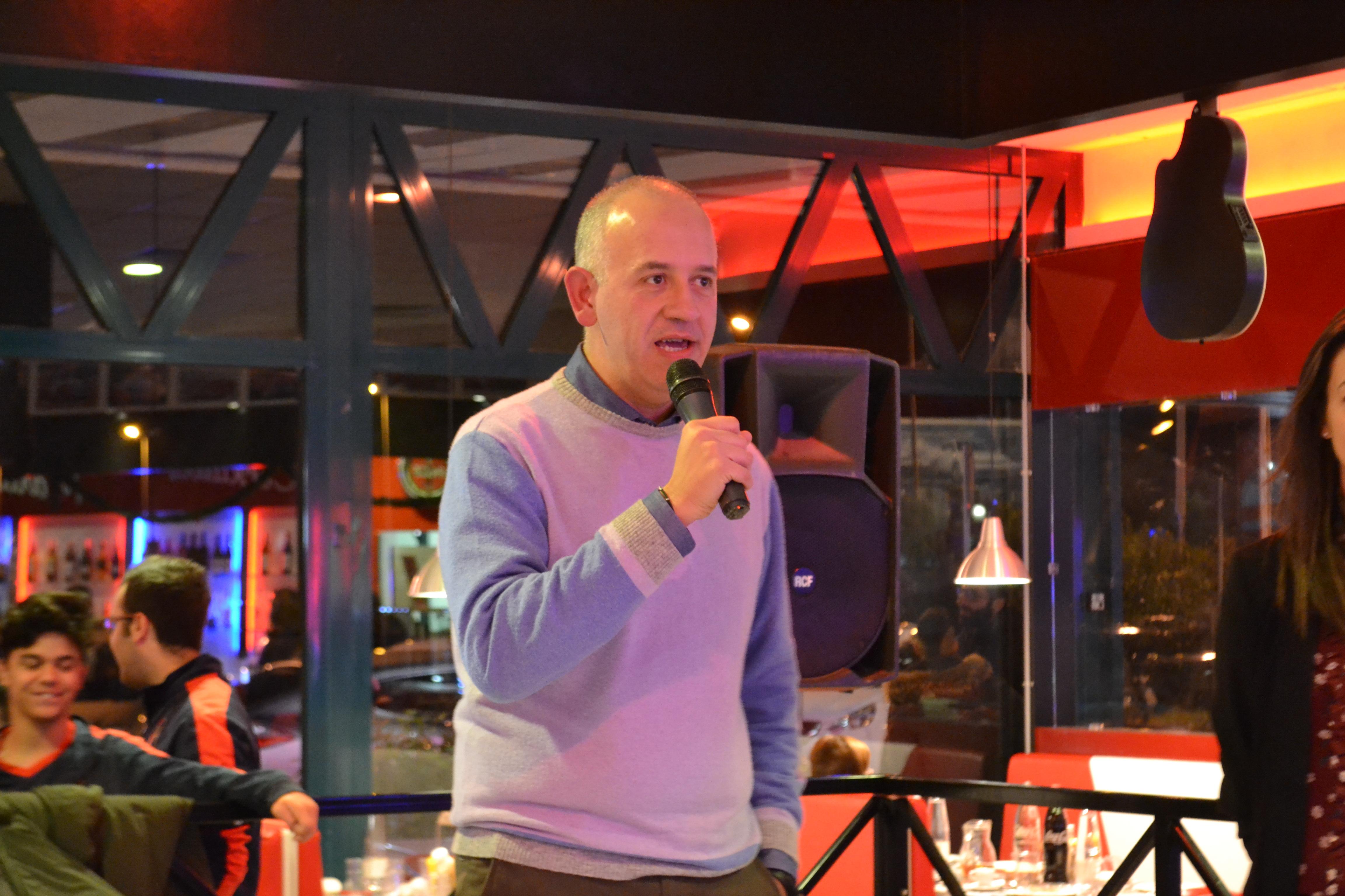 il sindaco di Civitanova marche Fabrizio Ciarapica alla festa di natale della Civitanovese Calcio